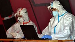Za sobotu se v Česku z koronaviru vyléčilo více lidí, než kolik se stihlo nově nakazit. Úmrtí přibyla tři