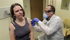 'Důležitý první krok.' Experimentální vakcína na covid-19 vytvořila u dobrovolníků účinné protilátky