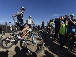 Biker Jaroslav Kulhavý 22. května 2020 třináctkrát za sebou vyjel na kole na...