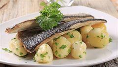 Pstruh bez kostí. Sladkovodní ryby musí být čerstvé, na chuti se to pozná, říká Punčochář