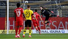 Bayern porazil zásluhou Lewandowskiho ve šlágru Dortmund a po restartu ligu vládne