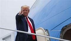 USA vystupují z vojenské dohody, která umožňuje kontrolní přelety. Rusko ji prý porušuje