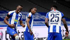 Darida slavil kanonádu v berlínském derby 4:0, hráči drželi tryznu za oběti koronaviru