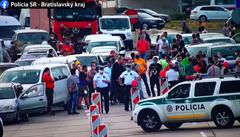 Blokáda slovenských navrátilců u rakouských hranic skončila. Čeká je státní karanténa