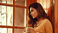 Při pádu letadla v Pákistánu zemřela i známá modelka a herečka Zara Abidová