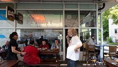 Po 72 dnech otevřeno. Restaurace či bary se za mimořádných opatření pokusí zmenšit obří ztrátu