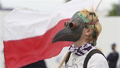 V Polsku počet obětí covid-19 přesáhl tisíc, nákaza se šíří mezi horníky. Situace v Itálii a Španělsku se lepší