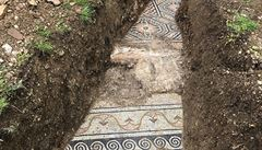 Italští archeologové odkryli ve vinici nezvykle zachovanou mozaiku ze třetího století