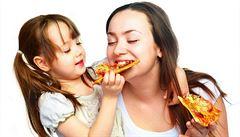 Obezita v mládí přispívá ke vzniku rakoviny v dospělosti, zjistili vědci