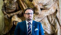 O post superúředníka má zájem diplomatka Chmielová i ministerský náměstek Hůrka