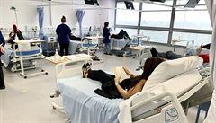 WHO zastavila testování některých léčiv u hospitalizovaných s koronavirem, úmrtnost totiž nesnižovala