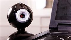 Elektroniku zasáhla koronainflace. Ceny stouply hlavně u poptávaných webkamer, notebooků, šicích strojů či pekáren