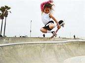 Mohlo jít o život. Jedenáctiletá olympionička si po pádu na skateboardu zlomila lebku. 'Jsem OK,' hlásí