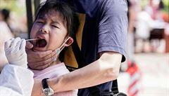 Ve Wu-chanu otestovali 10 milionů lidí, nikoho infekčního prý nenašli. Akce vyšla na miliardy