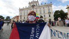 Protivládní demonstrace v Česku, ostře sledovaný pohřeb Floyda a přijímačky na gymnázia