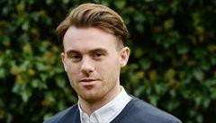 Po probuzení z kómatu mluvil francouzsky. Hráči akademie Manchesteru změnila havárie život