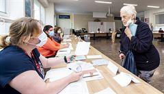 Na Teplicku skončil první den senátních voleb, účast byla kolem 12 procent