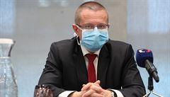 Počet nakažených osob nám v datech neujel nijak dramaticky, tvrdí šéf statistiků Dušek