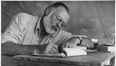 'Pronásledování jako štěstí.' Vyšla dosud neznámá povídka Ernesta Hemingwaye. Český překlad se neplánuje