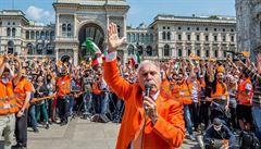 Vstanou noví revolucionáři. Podle oranžových vest v Itálii koronavirus neexistuje