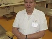 Být vrahem, bál bych se dnes na místě činu třeba jenom dýchat, hodnotí soudní lékař Igor Dvořáček