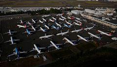 Letní optimismus v letectví vychladl. Končí první obnovené linky, dovolenkáři musí počítat s komplikacemi