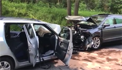 Při nehodě na Příbramsku zemřeli dva lidé. Další dva utrpěli lehčí zranění