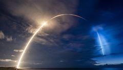 Raketa Falcon 9 společnosti SpaceX úspěšně vynesla na orbitu 58 satelitů Starlink