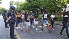 V Atlantě pokračují protesty, rodina zabitého černocha Brookse žádá systémové změny