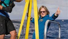 Unikátní rekord. Bývalá astronautka se stala prvním člověkem, který vedle vesmíru dobyl i Mariánský příkop