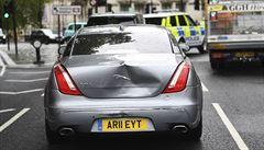 Do limuzíny Borise Johnsona narazilo vozidlo ochranky. Kuriozní střet premiér přežil bez úhony