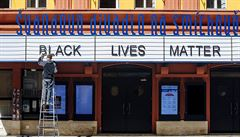 Nápis Black Lives Matter na Švandově divadle? Tolik projevů rasové nenávisti jsme nečekali, říká jeho ředitel