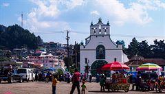 MEXICKÉ PODIVNOSTI: Šamansko-katolická odysea. Kostel, do kterého vás s foťákem nepustí