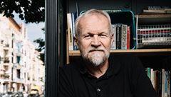 Pro estébáckou štěnici Kundera zinscenoval scénku, chtěl se soudruhům zalíbit, říká autor výbušné biografie Novák