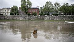 Vytrvalý déšť zvedá hladiny řek, nejhorší situace je na Chrudimsku. Voda se může vylévat z břehů