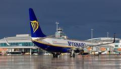 Piloti odmítli snižování mezd, Ryanair proto zavře své základny v Německu