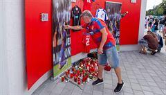 Lidé se v Plzni naposledy rozloučili se zesnulým Mariánem Čišovským