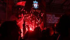 Liverpool vydal zákaz oslav v centru města. Město fanoušky prosí, aby zůstali doma, zatím nepříliš úspěšně