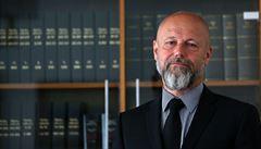 Soudce nelze posuzovat stejně jako dělníky, nemohou plnit normy, říká nový šéf Nejvyššího soudu Angyalossy