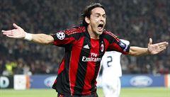 Filippo slaví postup mezi elitu, Simone nahání Juventus. Ovládnou bratři Inzaghiovi italský fotbal?