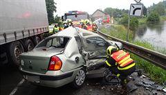 Zatím nejtragičtější den letošního roku na českých silnicích. V pátek při nehodách zemřelo šest lidí