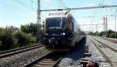 Vlak Leo Expressu se 150 lidmi narazil do trakčního vedení. Doprava na hlavní trati u Přerova stála