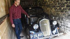 Karel Čapek jako motorista. Jeho památník nově umožňuje nahlédnout do spisovatelovy garáže