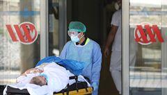 Na světě za den přibyl rekordní počet případů nákazy koronavirem, hlásí WHO