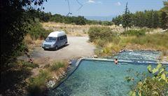 NOMÁDI: 'Tohle je Sparta!' Nedaleko bojiště u Thermopyl jsme objevili opuštěný termální bazének