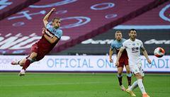 Český souboj v anglické lize zvládlo vítězně Vydrovo Burnley, West Ham se drží čtyři body od záchrany