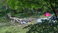Češku zabil v bulharském kempu strom. Spadl na její stan během noční bouře