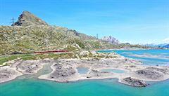 Rhétské dráhy. Bernina Expressem kolem švýcarských ledovců a jezer