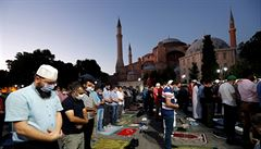 Hagia Sofia uvidí první muslimskou modlitbu po desítkách let, pokračuje soud kvůli českému filmu
