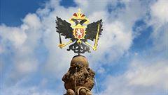 Na Leopoldovu kašnu se vrátil orel Svaté říše římské. Má připomínat, že Pražský hrad býval jejím centrem